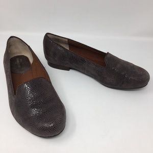Ros Hommerson Genuine Leather Croc Print Flats 7.5